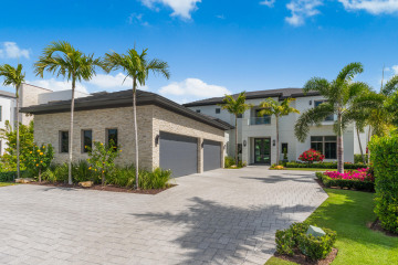 Home for Sale at 14630 Watermark Way, Palm Beach Gardens FL 33410