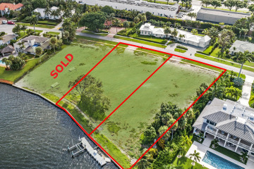 Home for Sale at 12096 Captains Landing(s), North Palm Beach FL 33408