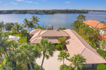 Home for Sale at 143 Point Circle, Tequesta FL 33469