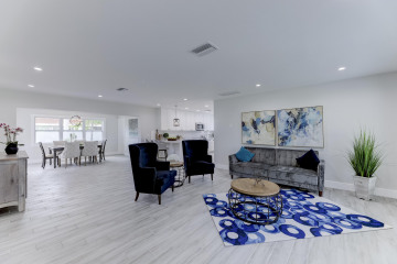 Home for Sale at 2640 NE 50 Street, Lighthouse Point FL 33064