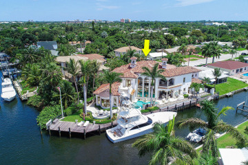 Home for Sale at 2086 N Waterway Drive, North Palm Beach FL 33408