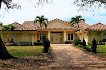 Home for Rent at 18120 SE Heritage Drive, Tequesta FL 33469