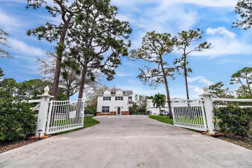 Home for Sale at 11779 159th Court N, Jupiter FL 33478