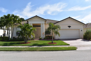 Home for Sale at 633 SW Indian Key Drive, Port Saint Lucie FL 34986