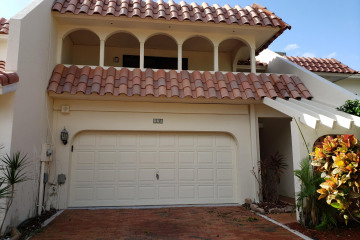 Home for Sale at 118 Harbor Circle, Delray Beach FL 33483