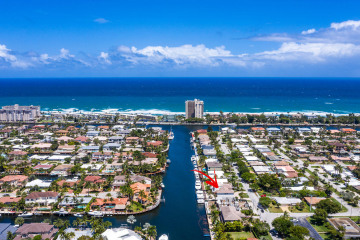Home for Sale at 2811 NE 36th Street, Lighthouse Point FL 33064