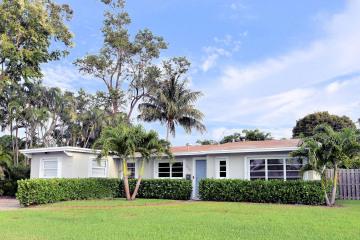 Home for Sale at 836 Cinnamon Road, North Palm Beach FL 33408