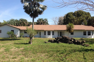 Home for Sale at 1586 E Road, Loxahatchee FL 33470