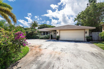 Home for Sale at 2610 Sun Cove Lane, North Palm Beach FL 33408
