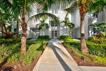 Home for Sale at 915 Bay Colony Drive S, Juno Beach FL 33408