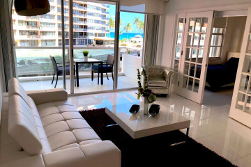 Home for Sale at 5161 Collins Ave Avenue #403, Miami Beach FL 33140