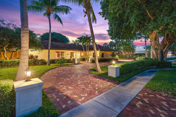 Home for Sale at 12071 Captains Landing(s), North Palm Beach FL 33408