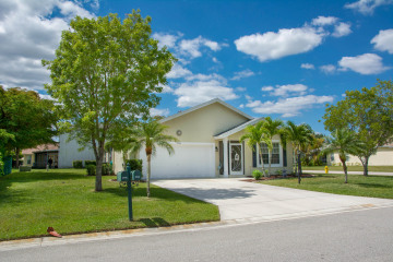 Home for Sale at 2744 SW Montego Terrace, Stuart FL 34997