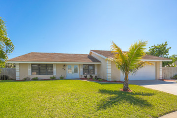 Home for Rent at 98 Hickory Hill Road, Tequesta FL 33469