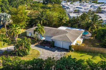 Home for Sale at 821 Sunset Drive, Lake Worth FL 33461