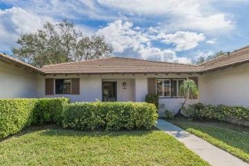 Home for Rent at 110 Club Drive #110, Palm Beach Gardens FL 33418