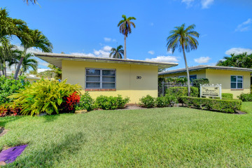 Home for Sale at 30 Andrews Avenue #13-B, Delray Beach FL 33483