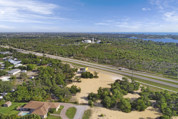 Home for Sale at 00 SE Federal Highway, Hobe Sound FL 33455