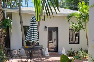 Home for Rent at 258 Seminole Avenue, Palm Beach FL 33480