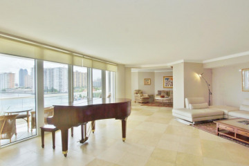 Home for Sale at 2600 Island Boulevard #506, Aventura FL 33160