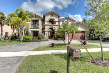 Home for Sale at 7827 Blue Sage Way, Parkland FL 33076