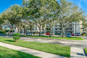 Home for Sale at 300 Intracoastal Place ##301, Tequesta FL 33469