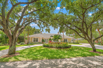 Home for Sale at 10410 SE Banyan Way, Tequesta FL 33469
