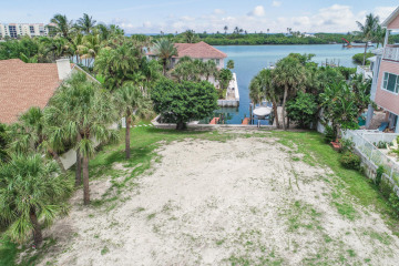 Home for Sale at 00000 Harbor Road S, Tequesta FL 33469