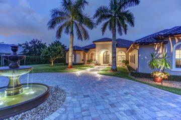 Home for Sale at 12820 Trotter Boulevard, Davie FL 33330
