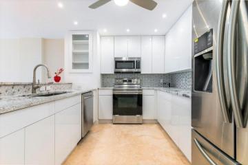 Home for Sale at 1147 Hillsboro Mile #402, Hillsboro Beach FL 33062