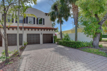 Home for Sale at 604 NE 13 Avenue, Fort Lauderdale FL 33305