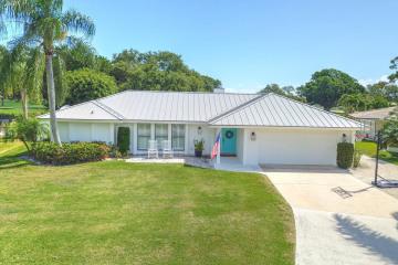 Home for Sale at 144 Fairview E, Tequesta FL 33469