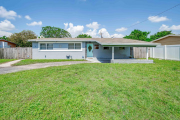 Home for Sale at 925 SW 49th Avenue, Plantation FL 33317