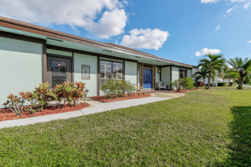 Home for Rent at 25 SE Turtle Creek Drive, Tequesta FL 33469