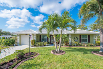 Home for Sale at 9320 SE Little Club Way N, Tequesta FL 33469