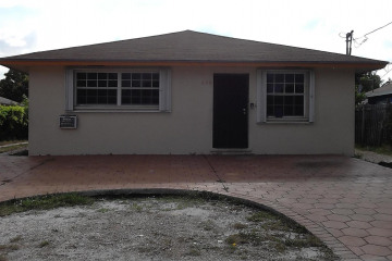 Home for Sale at 606 SE 2nd Avenue, Delray Beach FL 33483