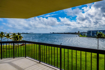 Home for Rent at 115 Lakeshore Drive #447, North Palm Beach FL 33408