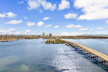 Home for Rent at 2640 Lake Shore Drive #2609, Riviera Beach FL 33404