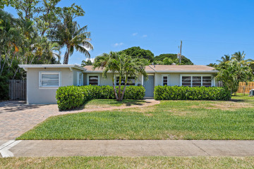 Home for Sale at 836 Cinnamon Road, North Palm Beach FL 33408