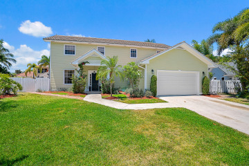 Home for Sale at 97 Beechwood Trail, Tequesta FL 33469