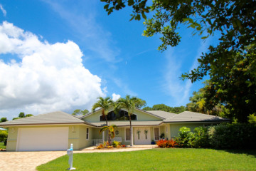 Home for Sale at 8585 SE Gulfstream Place, Hobe Sound FL 33455
