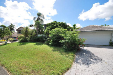 Home for Sale at 9840 SW 4th Street, Plantation FL 33324