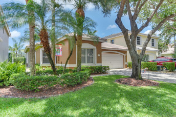 Home for Sale at 7656 NW 60th Lane, Parkland FL 33067