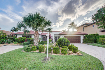 Home for Sale at 3741 NE 29th Avenue, Lighthouse Point FL 33064