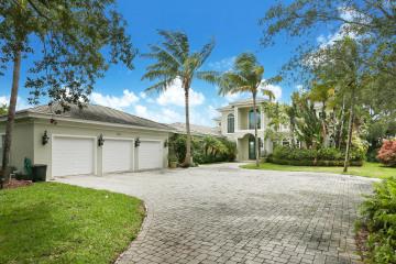 Home for Sale at 5543 SE Reef Way, Stuart FL 34997