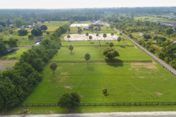 Home for Sale at 2962 D Road, Loxahatchee Groves FL 33470