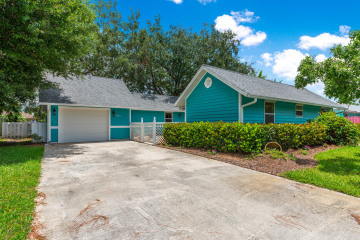Home for Sale at 1501 SW Vizcaya Circle, Palm City FL 34990
