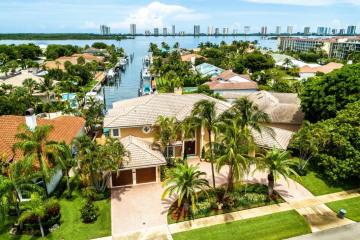 Home for Sale at 500 Corsair Drive, North Palm Beach FL 33408