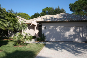 Home for Sale at 3413 SE Putnam Court, Stuart FL 34997