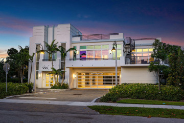 Home for Sale at 226 Palm Court, Delray Beach FL 33444